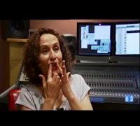 Actrices de doblaje: Mercedes Montalá (voz de Julia Roberts)