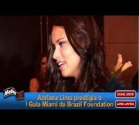 """Adriana Lima """"rouba a cena"""" no Gala Miami Brazil Foundation e diz que tempo de gravidez é segredo!"""