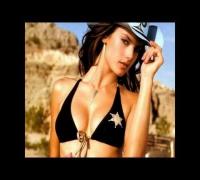 Adriana Lima vs Alessandra Ambrosio