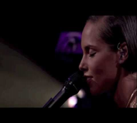 Alicia Keys - A Woman's Worth (Live at iTunes Festival 2012)