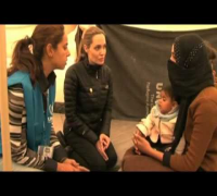 Angelina Jolie meets Syrian refugees in Jordan