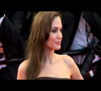 Angelina Jolie passa por mastectomia