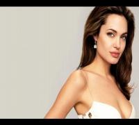 Angelina Jolie se extirpó sus senos por miedo al cáncer de mama -14/05/2013