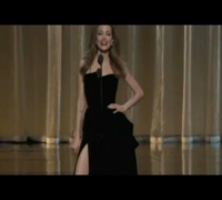 Angelina's Oscar Leg -- WHAT THE HELL?