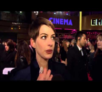 Anne Hathaway London Premiere! Les Misérables