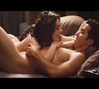 "Anne Hathaway NUDE In ""Love And Other Drugs"""