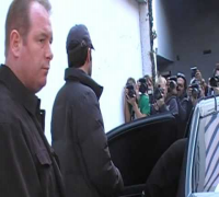 Ben Affleck and Jennifer Garner gets mobbed by paparazzi