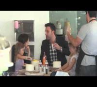 Ben Affleck Bakes Some Cakes With Jennifer Garner and Kids