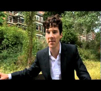 Benedict Cumberbatch shows off his detective skills