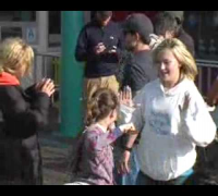 Cameron Diaz - Abigail Breslin On Movie Set 0000 paparazzi