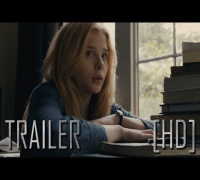 Carrie - Official Trailer #2 - Chloe Moretz, Julianne Moore
