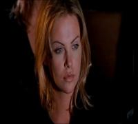 Charlize Theron en La Noche De...