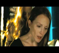 Chloe movie - Amanda Seyfried and Julianne Moore
