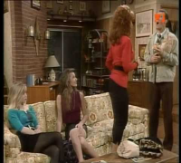 Christina Applegate, Milla Jovovich: Married with Children (German)