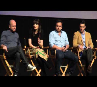 "Discussing ""The Kiss"" - NEW GIRL Panel w/ Zooey Deschanel and Jake Johnson"