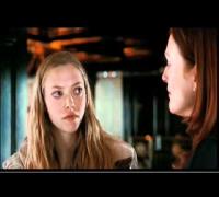 El beso de Julianne Moore y Amanda Seyfried en 'CHLOE'