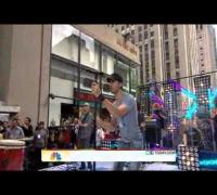 "Enrique Iglesias Performs ""Be With You"" on the TODAY Show"