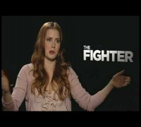 Funny interview with Amy Adams - Reporter flirts with her - THE FIGHTER