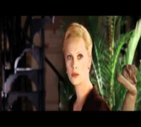 HEAD IN THE CLOUDS (トリコロールに燃えて) - Charlize Theron
