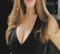 How to approach hot girl approach ? (Kelly Brook in Pepsi)