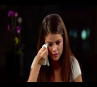 [Interview]Selena Gomez Has Auto Immune Disease Lupus, She Cries