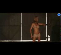 JENNIFER ANISTON STRIPPING IN WE'RE THE MILLERS- ACTUAL CLIP