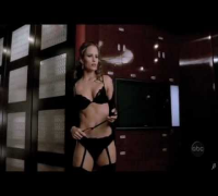 Jennifer Garner (Alias) - Sexy Strip