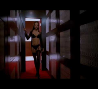 Jennifer Garner in Alias: What was wrong with the black one?!