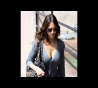 jessica alba boobs visible