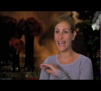 Julia Roberts Valentine's Day Interview & Backstage