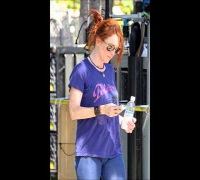 Julianne Moore Sweatpants Camel Toe - Celebrity Oops 2012 - HD