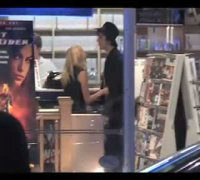 KATE MOSS AND PETE DOHERTY RENT A MOVIE.