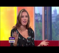 Kelly Brook - Perfect Sexy Pins - Daybreak 31/8/2011 (HD)