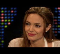 Larry King Live - CNN archives: Angelina Jolie discusses her mother's ovarian cancer