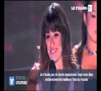 Lea Michele fond en larmes en direct en rendant hommage à Cory Monteith