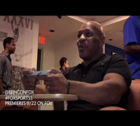 Mike Tyson plays Mike Tyson's Punch-Out for the 1st time