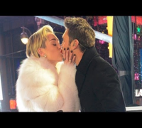 MILEY CYRUS & RYAN SEACREST'S NYE KISS & WHO IS THE NEXT TINA FEY: TRENDIN' ON TEEN!