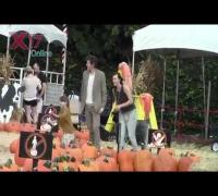 Milla Jovovich, Paul WS Anderson y Ever Gabo 9-10-2012