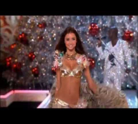 Miranda Kerr - Victoria's Secret runway moments (to 2012)