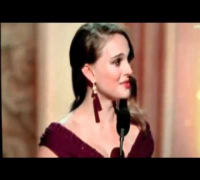 Natalie Portman um accepts her um oscar speech in um uh better quality