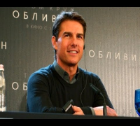 Oblivion Press Conference: Tom Cruise, Olga Kurylenko in Moscow