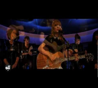 "OFF LIVE - Taylor Swift ""Love Story"" Live On The Seine, Paris"