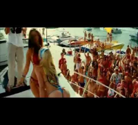 Piranha movie hot dance of Kelly Brook