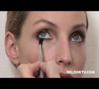 RelookTV.com - Kate Moss Look Make-up Tutorial: Phase 2 of 4