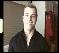 Resident Evil Retribution - Milla Jovovich Undercover - Shawn Roberts #2