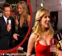 Scarlett Johansson' Boob-Squeeze