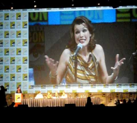 "SDCC 2010 Milla Jovovich ""MULTI PASS"" plus stunts Q&A at Resident Evil panel"