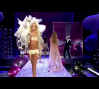 Seal - Crazy--The.2005.Victorias.Secret.Fashion.Show.avi