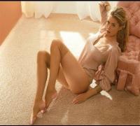 Sexy Photos of Doutzen Kroes.