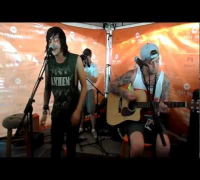 Sleeping With Sirens - James Dean, Audrey Hepburn (Acoustic) Live Tinley Park, IL 2012